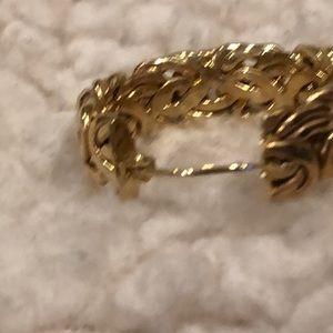 Vintage Jewelry - Boho 14K gold hoop earrings w/ design VTG EUC